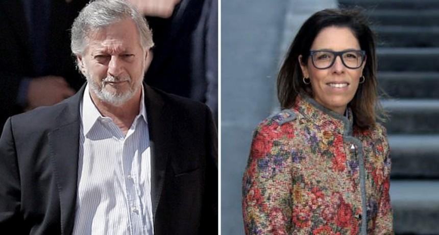 Revocaron los procesamientos a Aranguren y a Laura Alonso en la causa por Shell