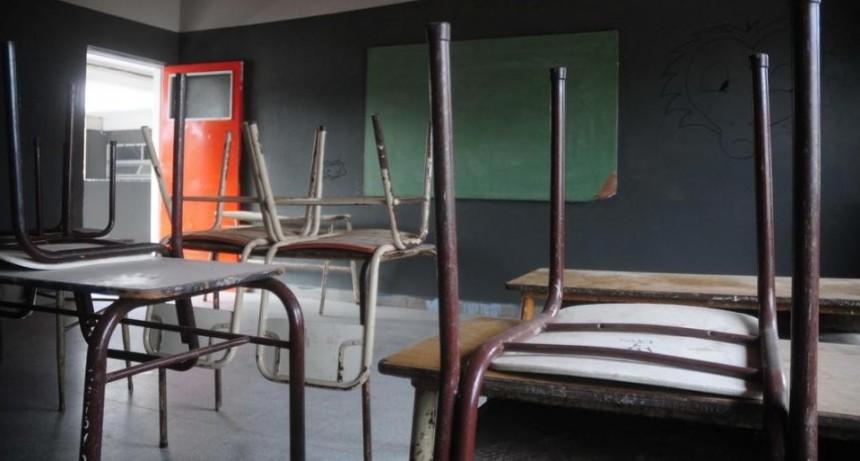 Si se logra minimizar el riesgo de contagios, los chicos volverían a las aulas en agosto
