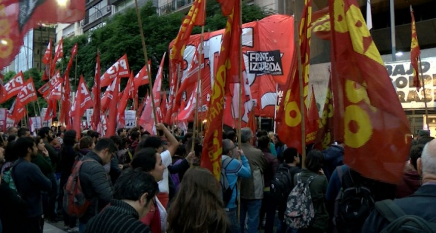 La izquierda se moviliza en solidaridad con las protestas en Estados Unidos