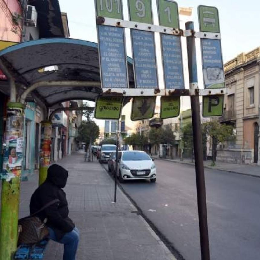 Otra vez, Tucumán amanece sin colectivos en las calles