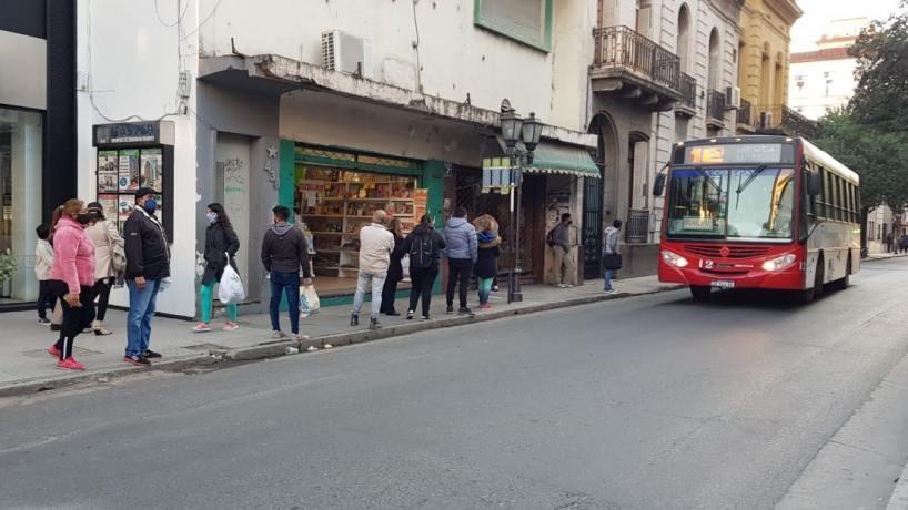 El viernes los colectivos funcionarán con normalidad en Tucumán